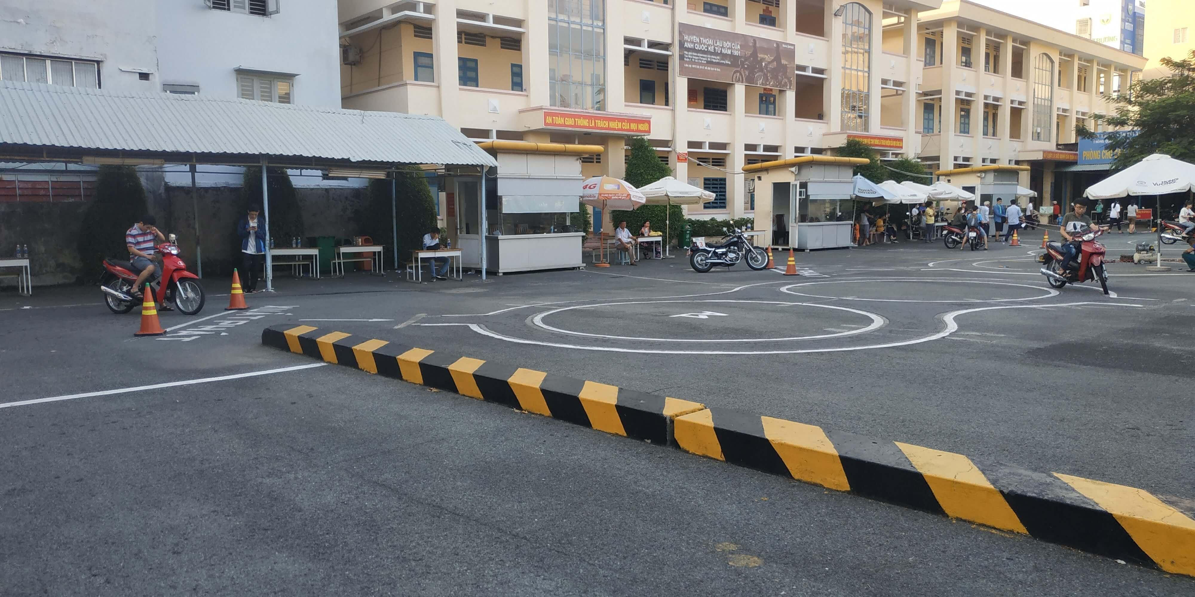 Trung tâm tổ chức thi bằng lái xe máy A1 và mô tô A2 ở Quận 5