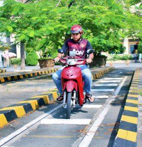 Hướng dẫn ôn thi bằng lái xe máy A1 phần lý thuyết và thực hành