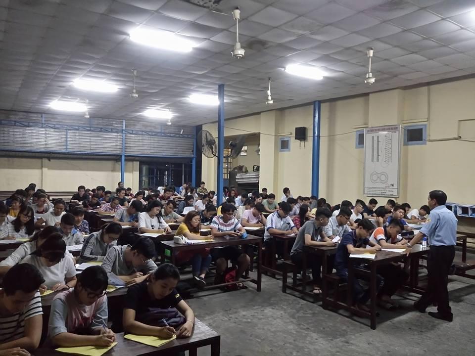 Lớp học lý thuyết tại Trường Học Lái Xe Mô Tô TPHCM