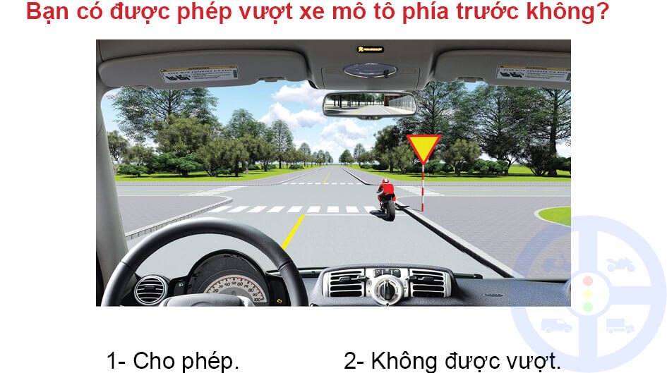 Bạn có được phép vượt xe mô tô phía trước không?